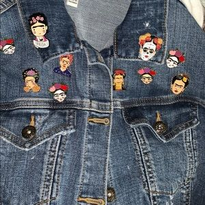 FRIDA FLARE! LOVE HER ART &THESE PINS-A MUST HAVE!
